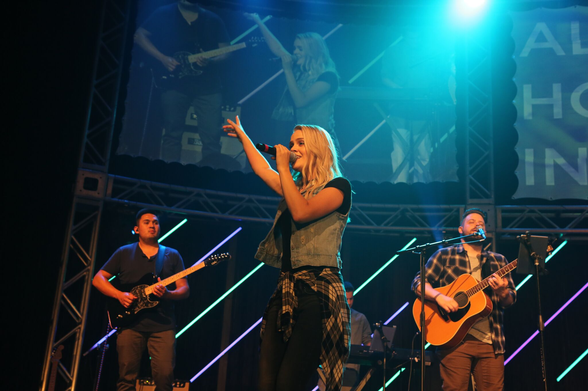HORIZON WORSHIP RELEASES NEW SINGLE